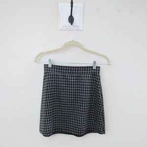 UO Pins and Needles | Houndstooth Mini Skirt